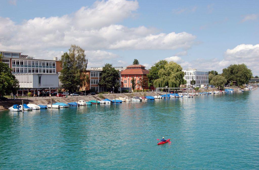 Direkt  am See gelegen: die Hochschule Technik Wirtschaft Gestaltung Konstanz, kurz HTWG Foto: StZ