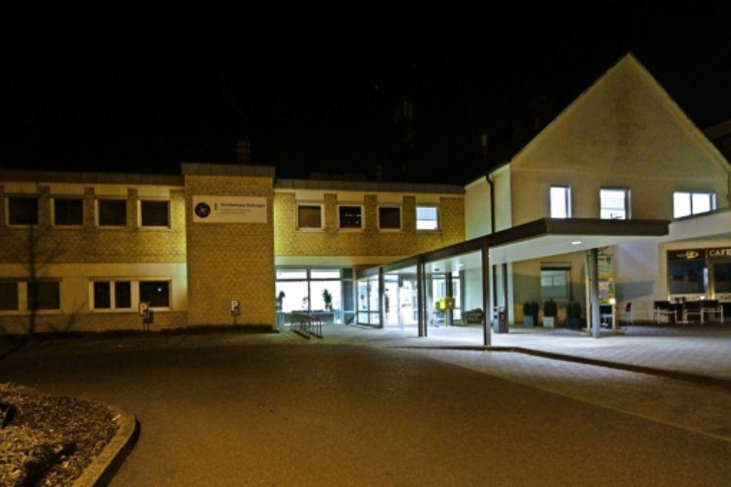Gehen im Krankenhaus bald nachts die Lichter aus? Viele Vaihinger sorgen sich um die medizinische Versorgung. Foto: