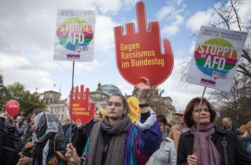 Tausende gehen gegen AfD auf die Straße