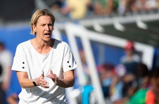 Darum war die Bundestrainerin beim VfB zu Besuch