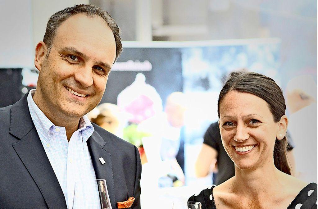 Hoteldirektor Urich Schwer und Michaela Nübling vom Weingut Franz Keller Foto: Lg/Reich