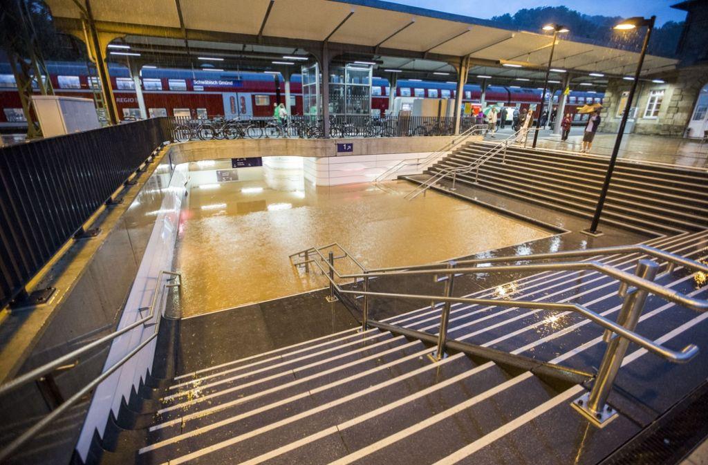 Im Zuge des Unwetters ist in Schwäbisch Gmünd eine Unterfühung am Bahnhof überschwemmt worden. Foto: 7aktuell.de/Adomat