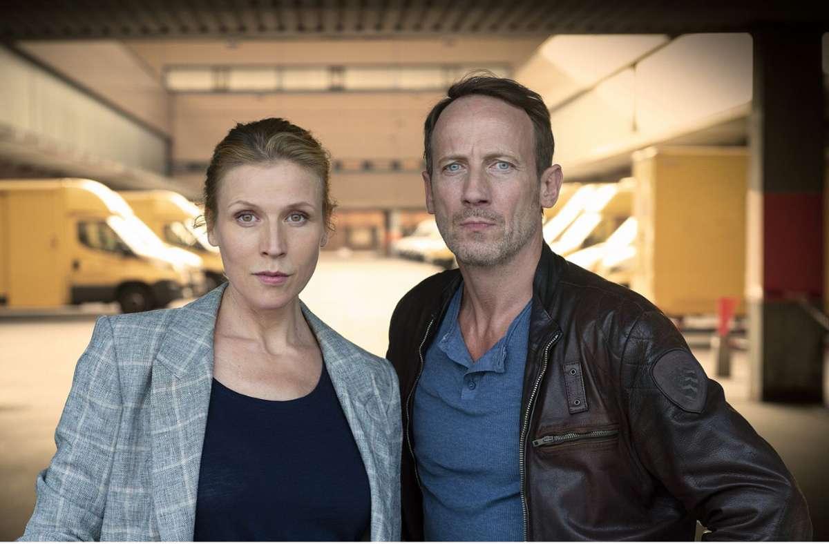 Grosz (Franziska Weisz) und  Falke (Wotan Wilke Möhring) geraten heftig unter Druck. Foto: NDR/Meyerbroeker