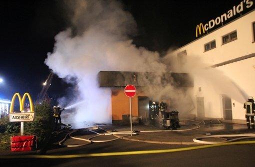 Ein Feuer hat den Innenbereich des McDonald's in Tauberbischofsheim komplett zerstört. Das Gebäude muss wohl abgerissen werden. Foto: 9aktuell.com/Engmann