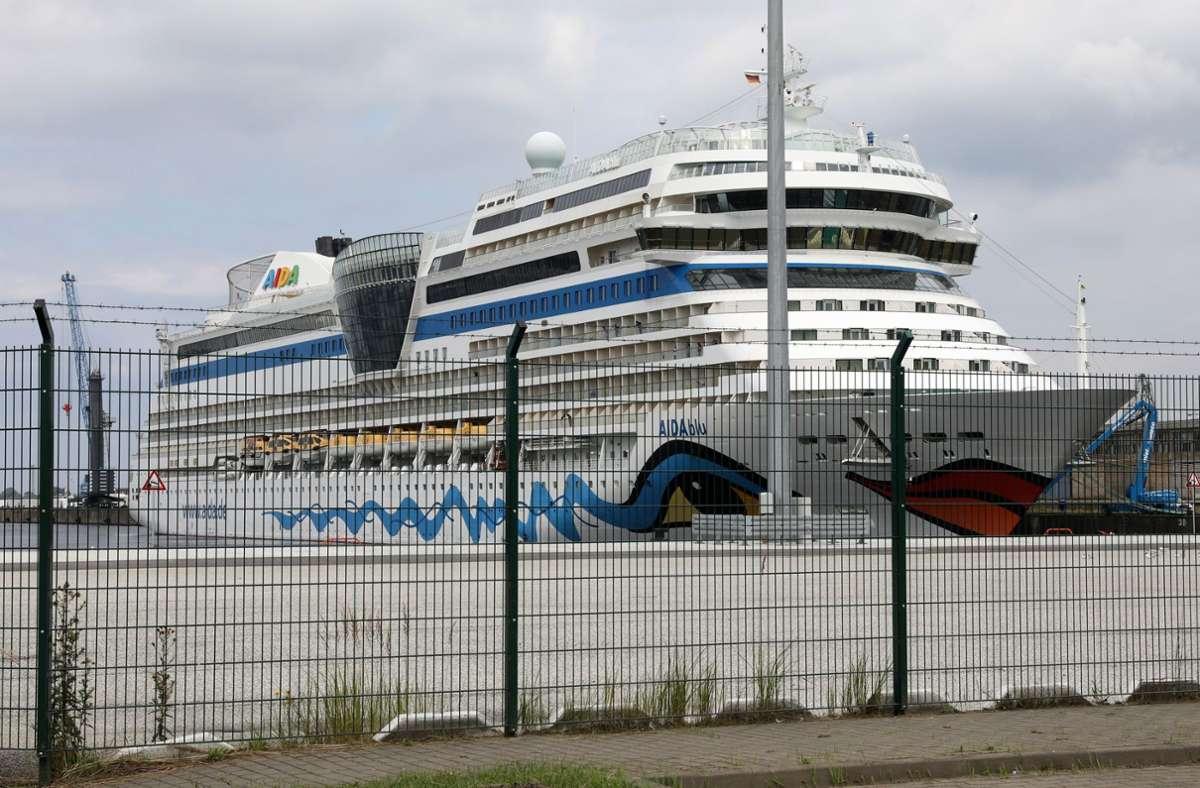 Gäste von Kreuzfahrtschiffen sollen sich vor der Abreise testen lassen, fordert der Reisebüro-Verband. Foto: dpa/Bernd Wüstneck