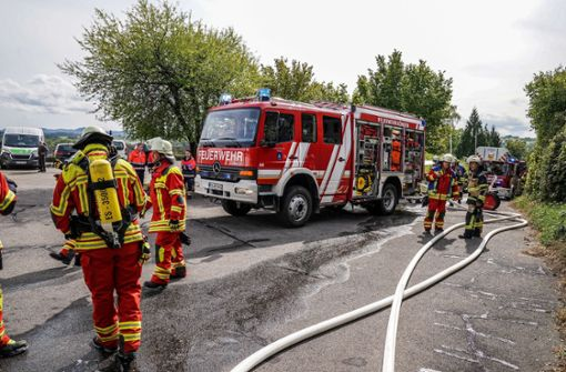 Garagenverkleidung gerät in Brand