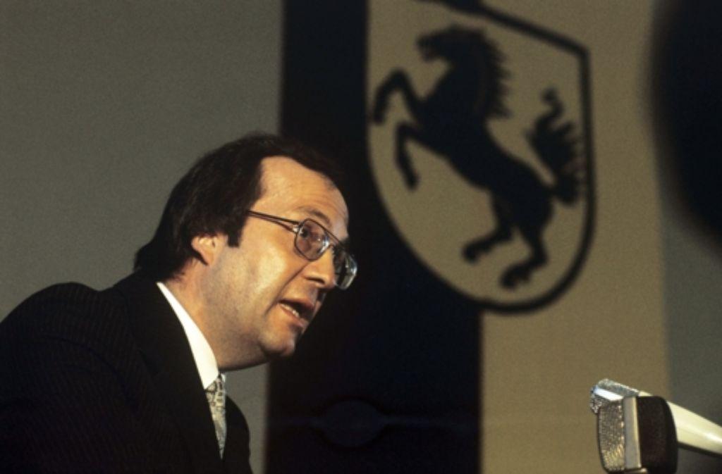 Manfred Rommel bei seiner Antrittsrede als Oberbürgermeister von Stuttgart im Januar 1975.  Sein Leben und Wirken dokumentieren wir auch in der folgenden Bilderstrecke. Foto: dpa