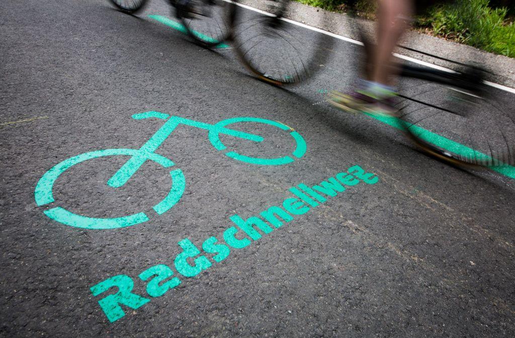Im Kreis Böblingen ist der erste Radschnellweg freigegeben worden. Foto: dpa