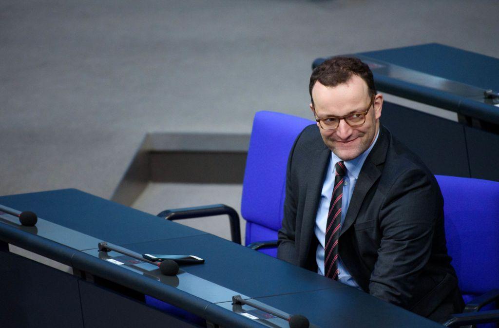 CDU-Politiker Jens Spahn verteidigt seine Äußerungen zu Hartz IV. Foto: dpa