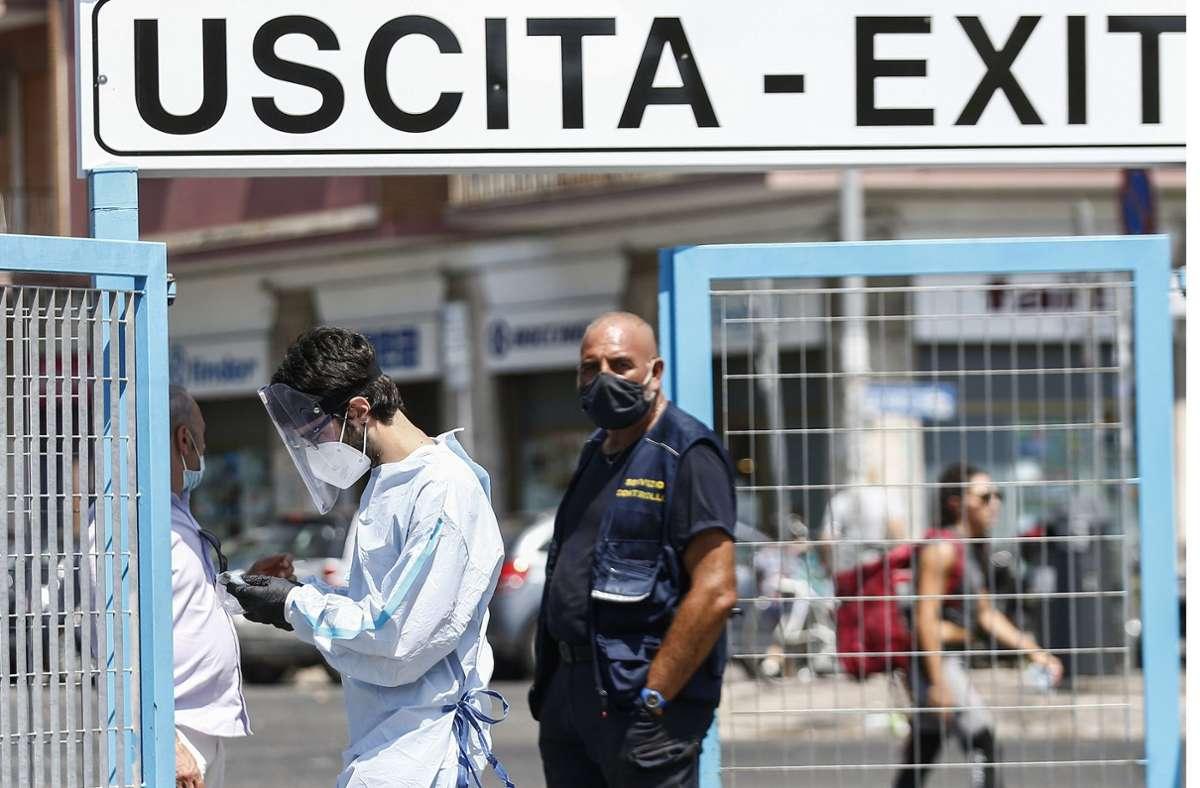 In Italien ist das Coronavirus laut einer Studie zufolge sechs Mal stärker verbreitet als bekannt. Foto: dpa/Cecilia Fabiano