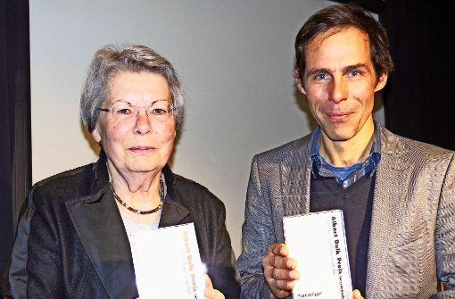 Die Preise für  Ulrike Küstler und Pablo Wendel erinnern an den Schriftsteller und Revolutionär Albert Dulk. Foto: Georg Linsenmann