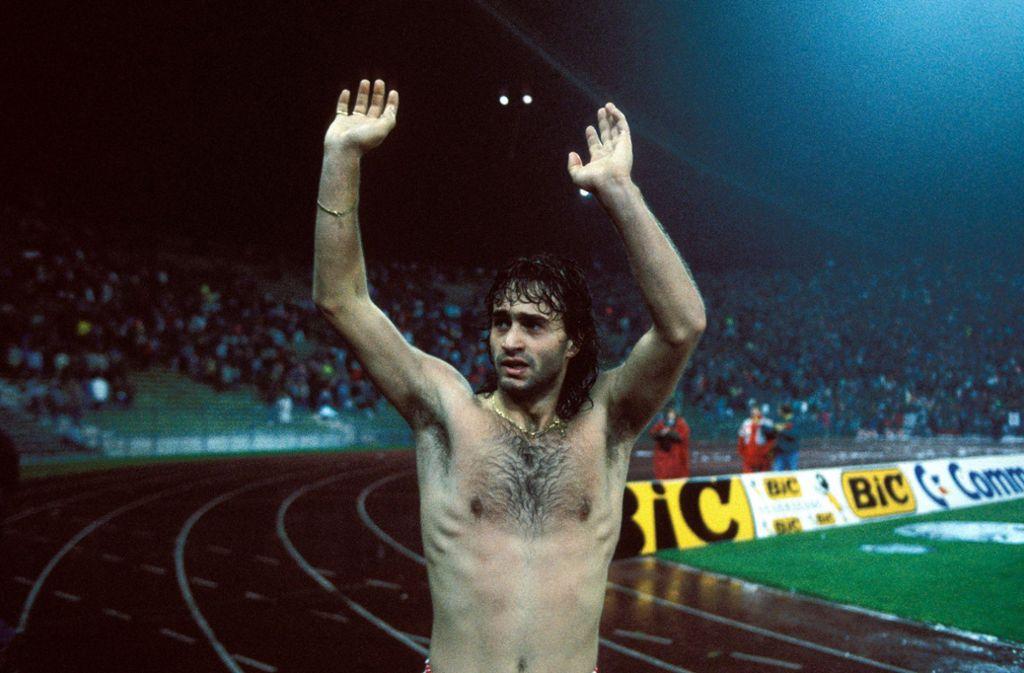 Maurizio Gaudino trifft zweimal beim Punktgewinn des VfB im Jahr 1988. Foto: Baumann
