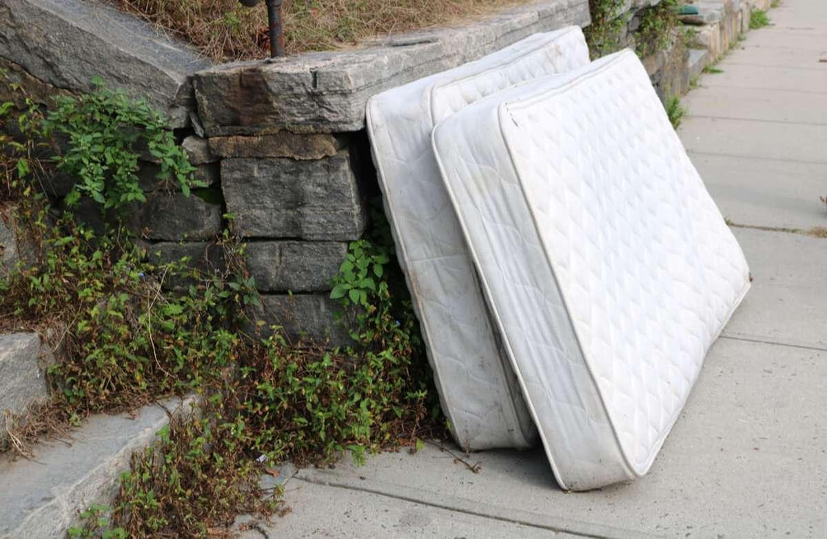 Schon reif für den Sperrmüll? Foto: aswphotos134 / shutterstock.com