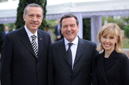 """Als """"besonderer Freund"""" Erdogans bei Vereidigung"""