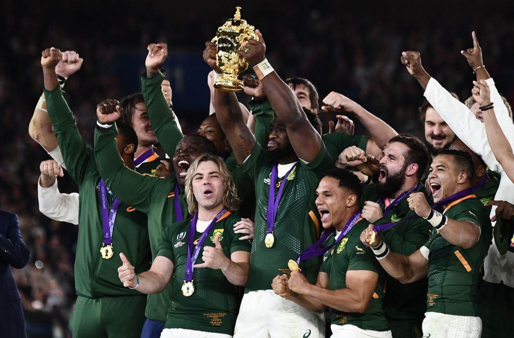Die Freude bei den frischgebackenen Weltmeistern aus Südafrika ist riesig. Foto: AFP/Anne-Christine Poujoulat