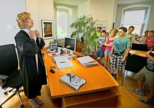 Frau Greiner und die  Richterin