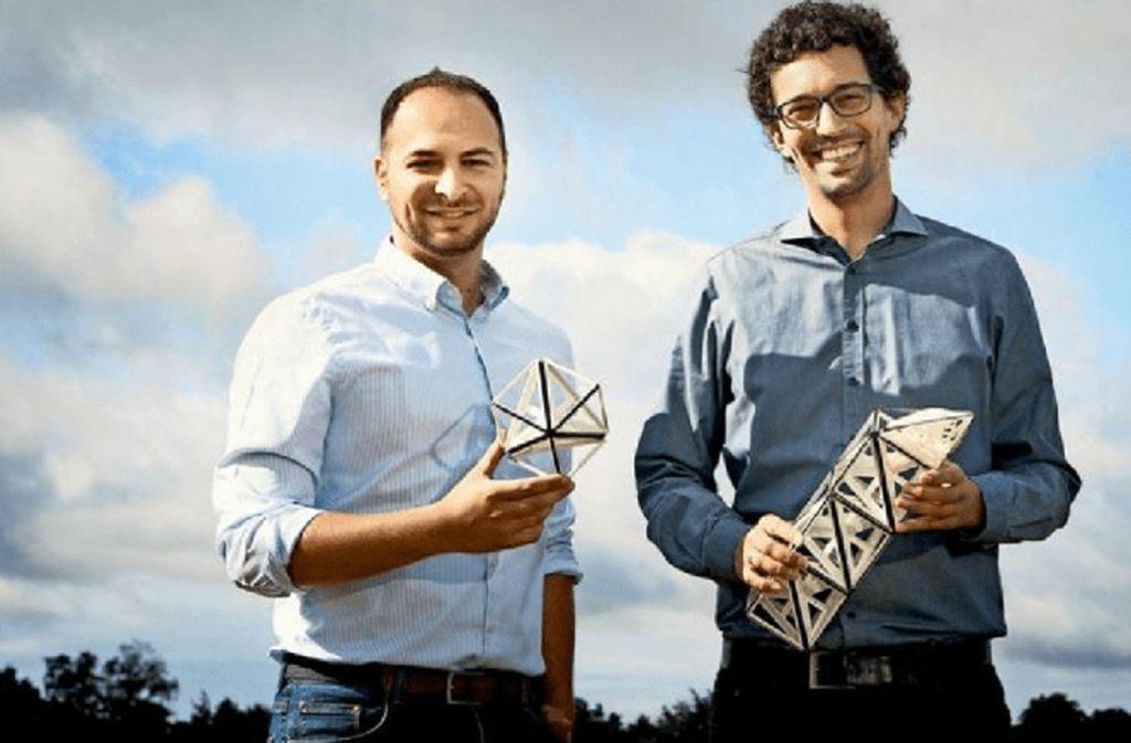 Große Einsparpotenziale in vielen Branchen sehen die beiden Unternehmer Jan-Philipp Fuhr (links) und Farbod Nezami durch den verstärkten Einsatz von Werkstoffen wie Carbon. Foto: Verena Müller