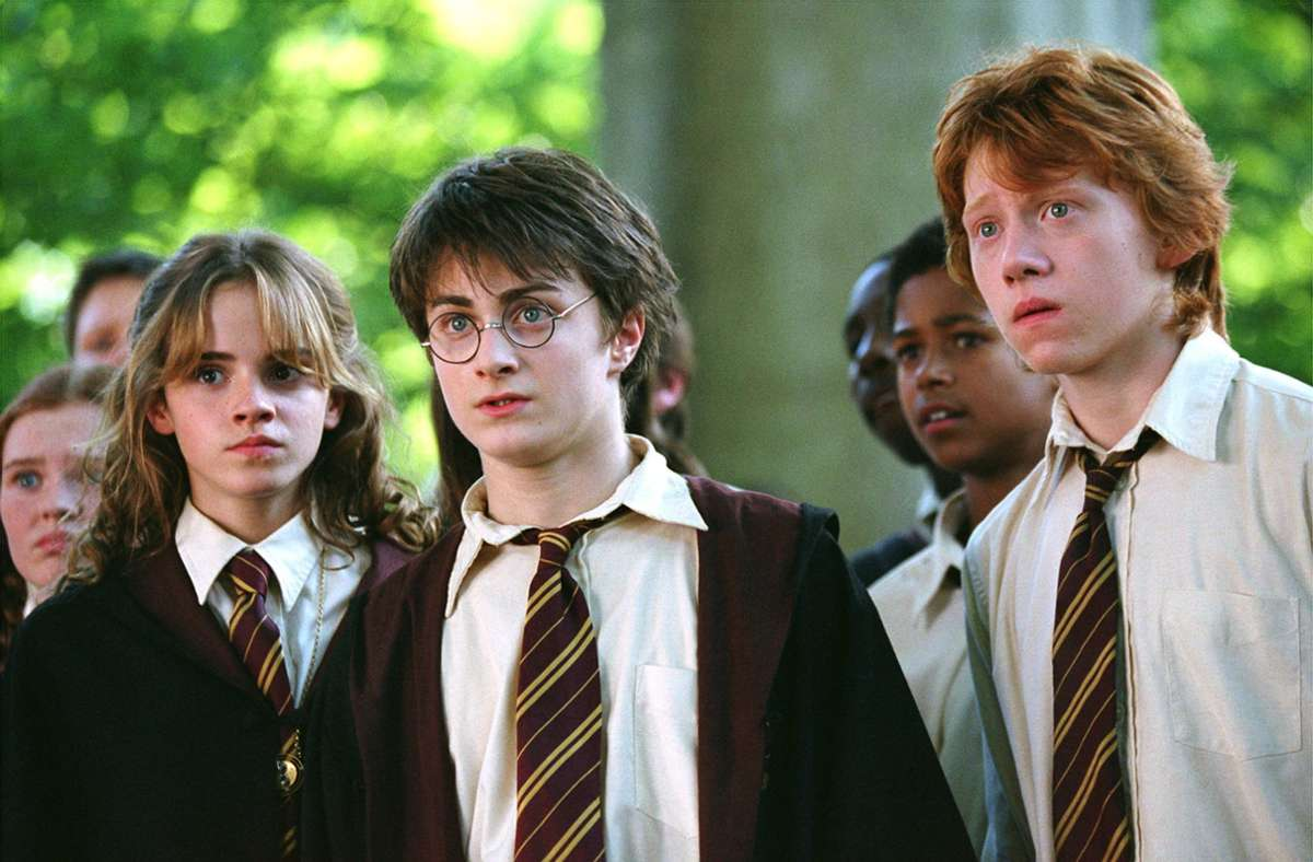 Harry Potter (Mitte), Hermine Granger und Ron Weasley – die Schauspieler Daniel Radcliffe, Emma Watson und Rupert Grint sind auf immer mit ihren Charakteren verbunden. Foto: AP