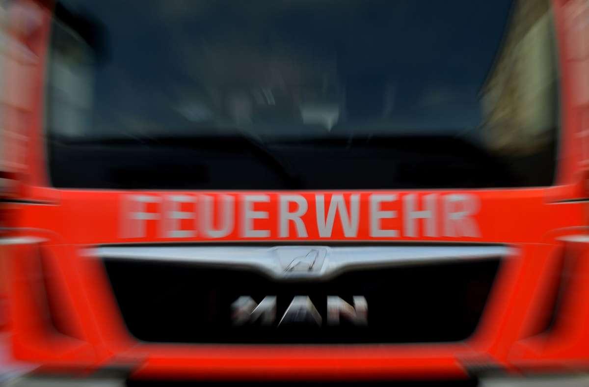 Bei dem Feuer in Aalen entstand Sachschaden in Höhe von rund 500.000 Euro. (Symbolbild) Foto: picture alliance / Britta Peders/Britta Pedersen