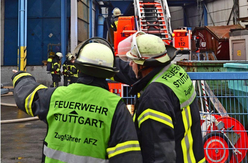 Beschäftigte im Gewerbegebiet Fasanenhof-Ost fürchten, dass Feuerwehr und Rettungsdienst bei Stau nicht schnell genug am Einsatzort sein können. Foto: Symbolbild S. Hintermayr