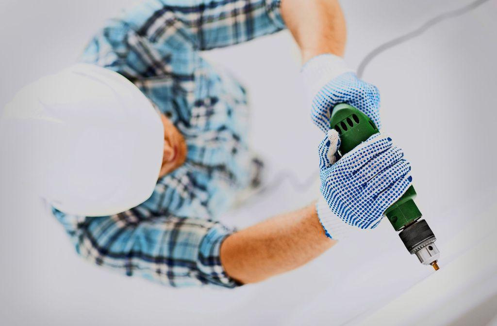Wer einem Handwerker Strom zur Verfügung stellt, wird nach der neuen Regelung streng genommen zum Stromlieferanten. Foto: Syda/Adobe Stock