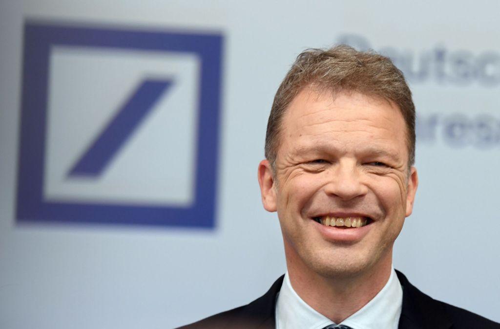 Christian Sewing, Vorstandsvorsitzender der Deutschen Bank, bei der Jahresmedienkonferenz in der Zentrale der Bank Foto: dpa/Arne Dedert