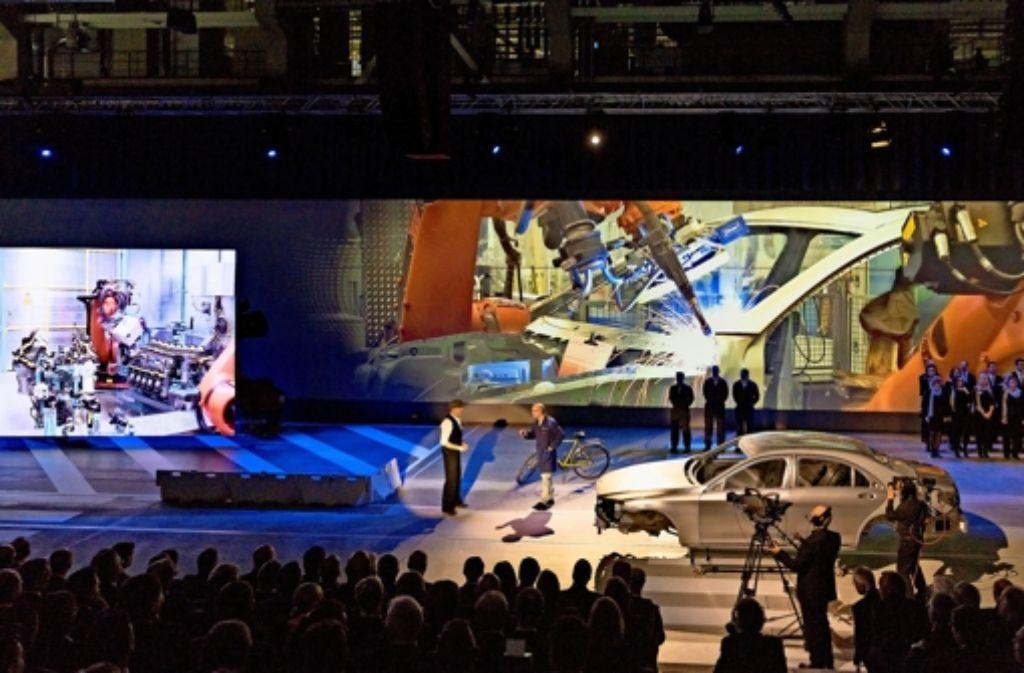 In einer multimedialen Show erzählen Mitarbeiter die Geschichte des Sindelfinger Werks und der Autoentwicklung. Foto: factum/Weise