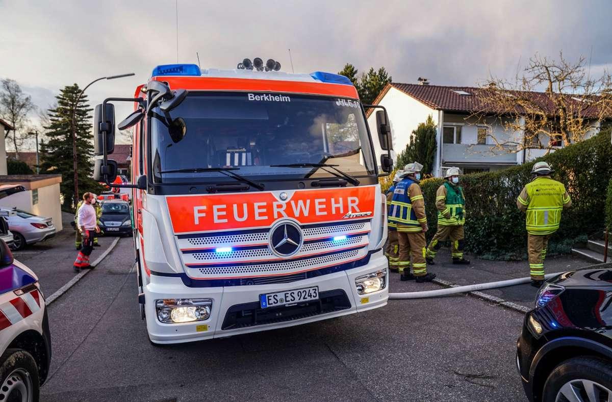 Der Vater des Jungen konnte den Brand bereits vor dem Eintreffen der Feuerwehr  größtenteils löschen. Foto: