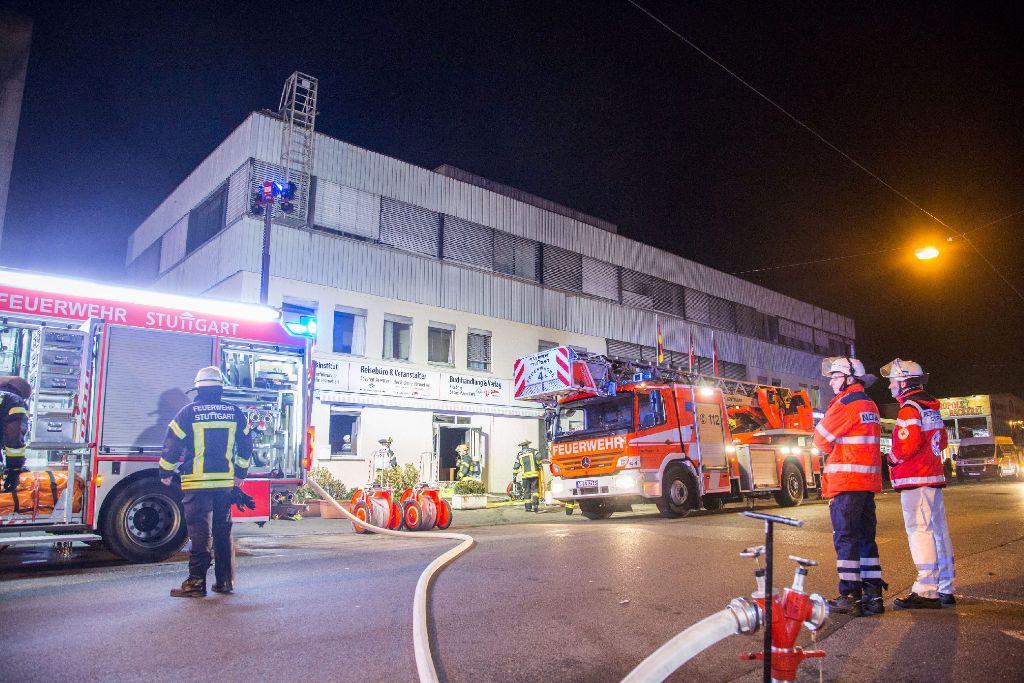 In einem Gebäude der Türkisch-Islamischen Union ist in der Nacht zum Dienstag ein Feuer ausgebrochen. Die Polizei geht von Brandstiftung aus. Foto: www.7aktuell.de | Simon Adomat