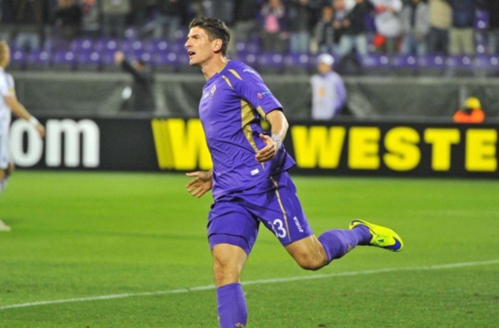 Beim 2:0-Sieg von Florenz gegen Kiew hat Ex-VfB-Stürmer Mario Gomez das Führungstor erzielt. Foto: dpa