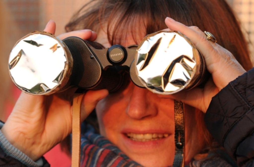 Am Wochenende können Kinder im Planetarium die Sterne beobachten. Foto: dpa