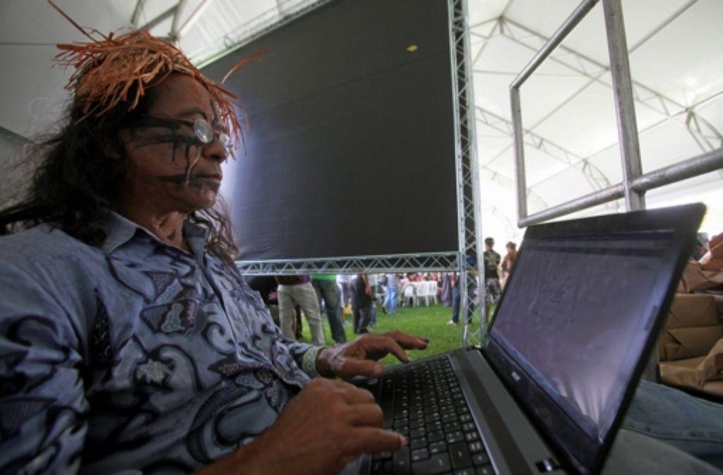 In Rio holen sich alle ihre Informationen bevorzugt aus dem Netz. Foto: EFE