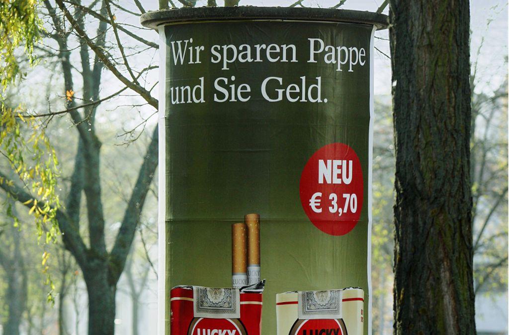 Die Union hat am Dienstag den Weg für ein weitgehendes Verbot der Außenwerbung für Tabakprodukte frei gemacht. Unsere Bilderstrecke zeigt Tabakwerbung aus vergangenen Zeiten. Foto: /Foto:Lichtgut/Achim Zweygarth