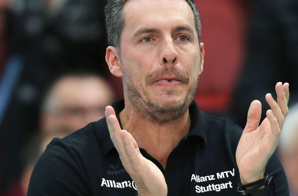 Seit drei Spielzeiten ist Guillermo Naranjo Hernández der hauptverantwortliche Trainer von Allianz MTV Stuttgart. Foto: Pressefoto Baumann