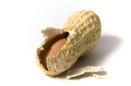 Etwa ein Prozent der Deutschen sind gegen Erdnüsse allergisch. Foto: AndyKay - Fotolia