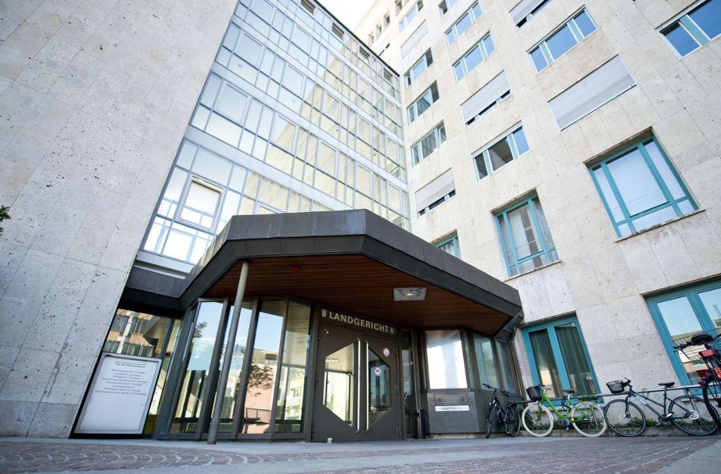 Das Landgericht Stuttgart – hier kommt am Mittwoch das Urteil gegen den Eventus-Gründer. Foto: dpa