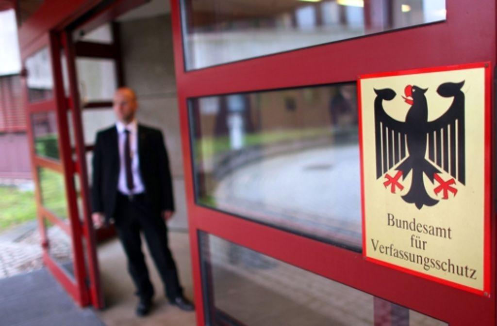 Der Verfassungsschutz soll nach dem Willen des Innenministers Friedrich reformiert werden Foto: dpa