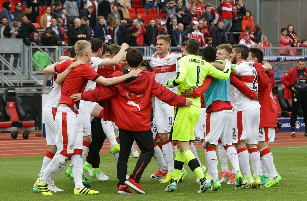 Ein Meilenstein auf dem Weg zum Wiederaufstieg – der VfB siegte 2016 mit 3:2 in Nürnberg. Foto: Baumann
