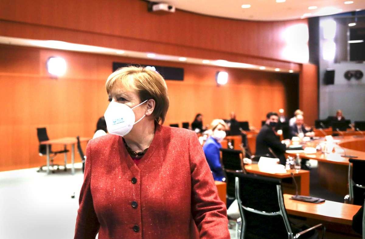Kanzlerin Merkel hält eine Lockerung der Corona-Kontaktbeschränkungen für verfrüht. Foto: dpa/Markus Schreiber