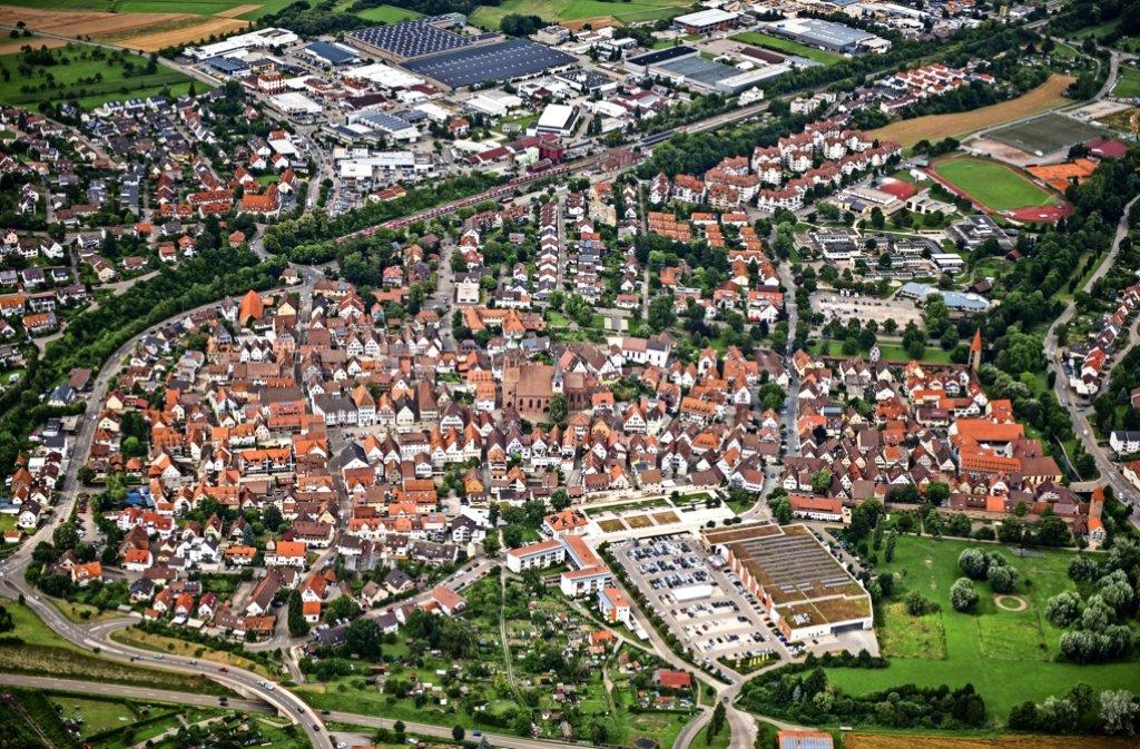 Weil der Stadt entwickelt sich allmählich in Richtung Große Kreisstadt – doch nötige Gewerbe- und Wohnflächen sind rar. Foto: Holger Leicht