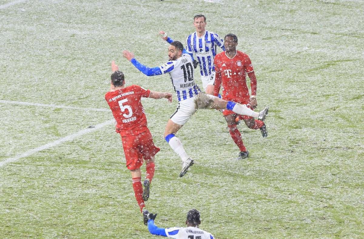 Gegen den FC Bayern hatten es die Berliner mit ordentlich Schnee zu tun. Foto: imago images/Nordphoto