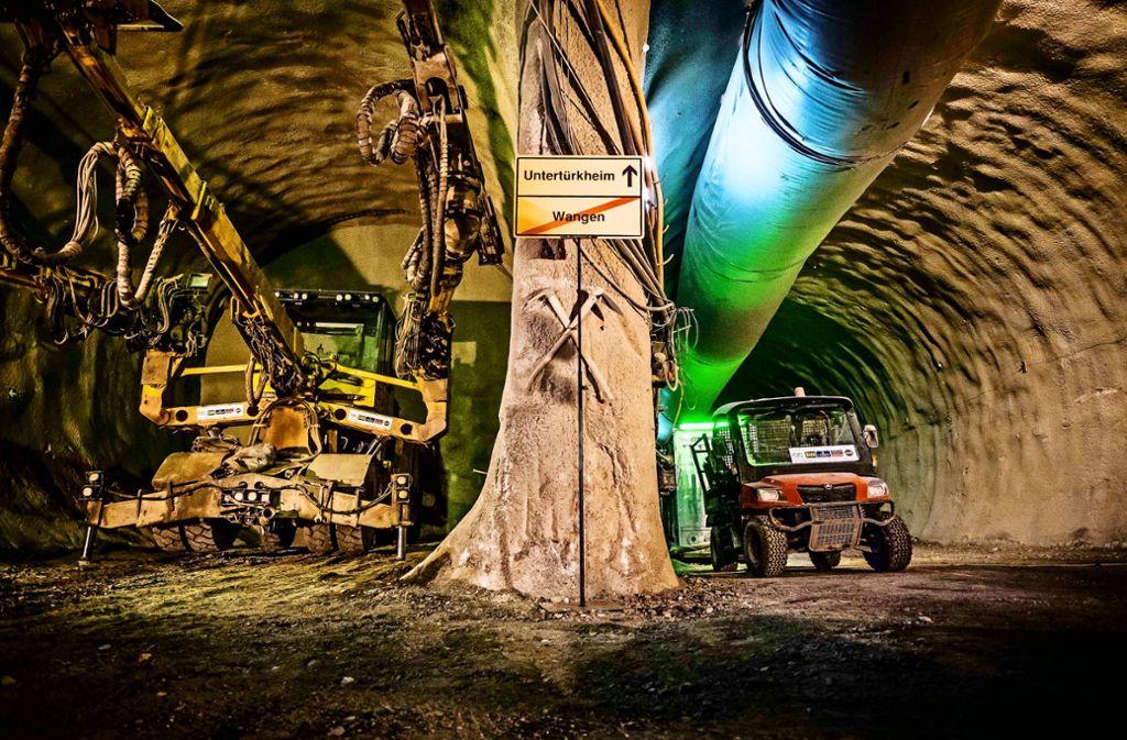 Der Weg durch den Untergrund in Richtung Untertürkheim birgt Überraschungen: beispielsweise umfangreiche Fundamente des örtlichen Hallenbads. Foto: Lichtgut/Kovalenko, Piechowski