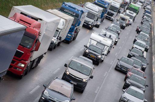 Tücken der Technik: Autofahrerin sitzt fast zwei Stunden lang auf A8 fest