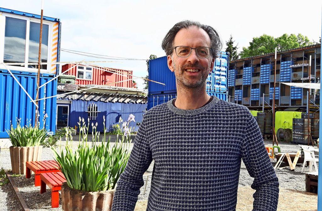 Robin Bischoff in der Container City des Wagenhallen Areals Foto: Eva Funke