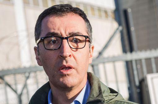 Haus des Ex-Grünen-Chefs mit Stein beworfen