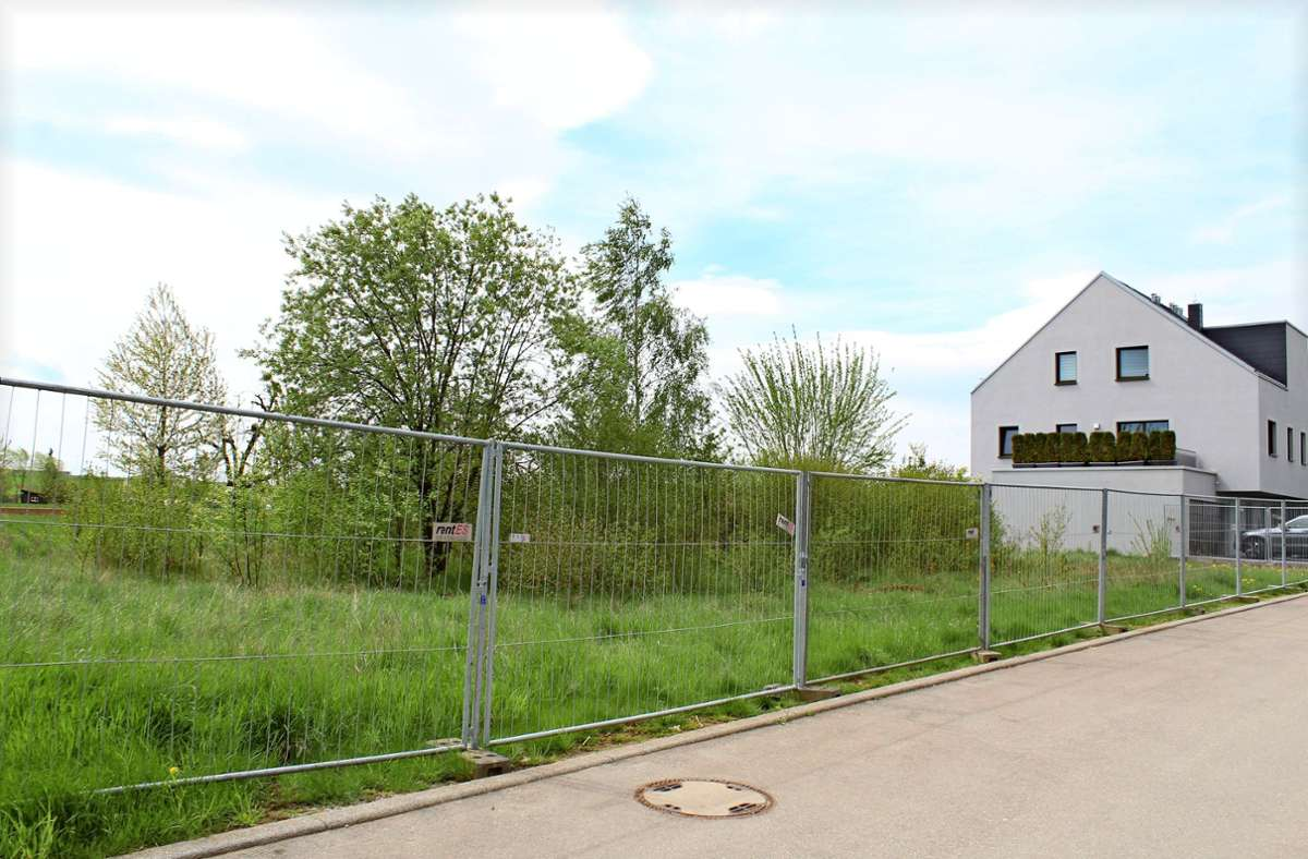 Auf den Grundstücken an der Straße Zum Langwieser See sollen Wohngebäude entstehen. Für diese gibt es nun neue Bestimmungen. Foto: Jacqueline Fritsch