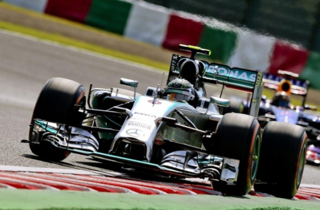 Mercedes-Pilot Nico Rosberg hat sich die Pole Position in Suzuka gesichert. Foto: dpa