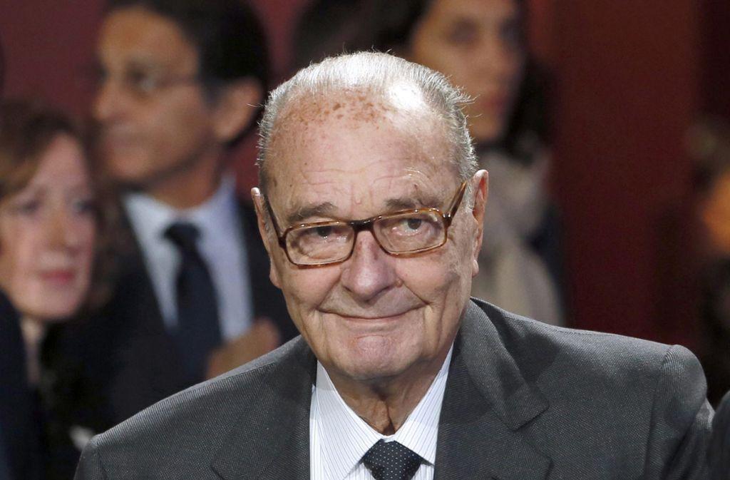 Die Aufnahme aus dem Jahr 2017 zeigt den kürzlich verstorbenen französischen Politiker Jacques Chirac. (Archivbild) Foto: dpa/Patrick Kovarik