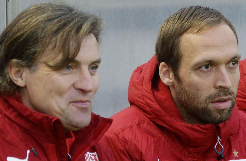 Andreas Hinkel (re.) übernimmt den VfB II von Interimstrainer Walter Thomae. Foto: Baumann