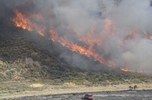 400 Feuerwehrleute kämpfen gegen Waldbrände